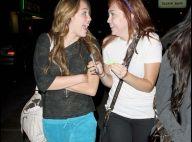 Miley Cyrus, sa demi-soeur et son boyfriend... trois ados lookés pour une petite virée entre jeunes !