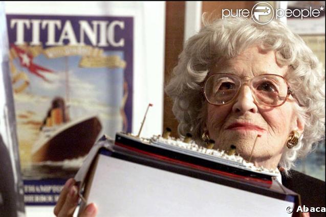Millvina Dean, dernière survivante du Titanic en 2002