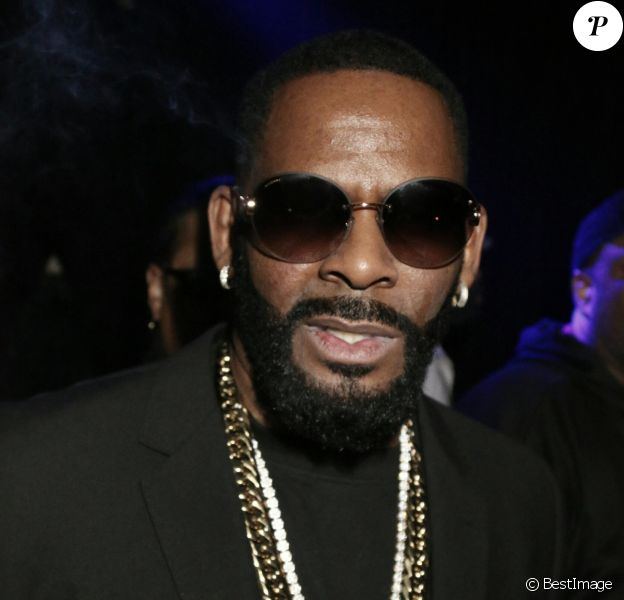 """R. Kelly lors d'un petit concert improvisé à la """"Highline Ballroom"""" à New York, le 28 janvier 2018."""