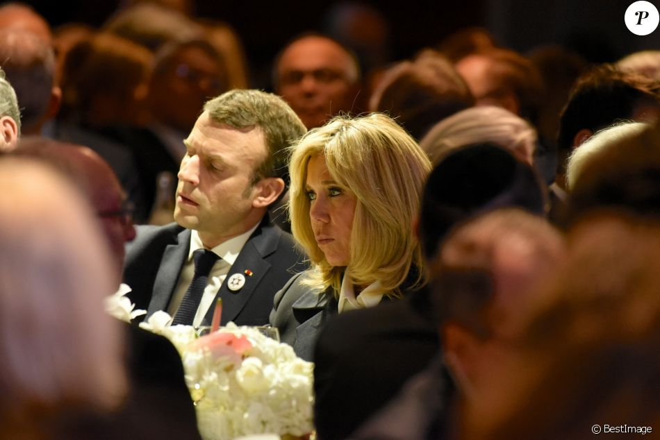 Le président de la République Emmanuel Macron, sa femme la Première Dame Brigitte Macron lors du 34ème dîner du Conseil représentatif des institutions juives de France (CRIF) au Carrousel du Louvre à Paris, FRance, le 20 février 2019. © Erez Lichtfeld/Bestimage  French President and his wife First Lady attenting the 34th annual dinner of the Representative Council of Jewish Institutions of France (CRIF) at Louvre Carrousel in Paris, France, on February 20, 2019.20/02/2019 - Paris