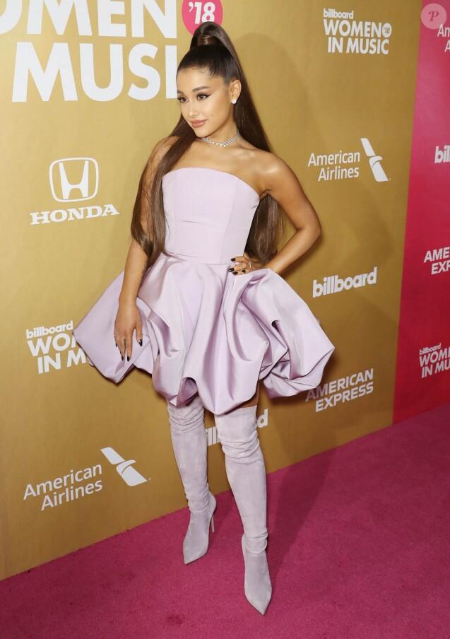 """Ariana Grande au photocall de la 13ème édition des """"Billboards Annual Women in Music Event"""" à New York, le 6 décembre 2018."""