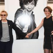 Muriel Robin main dans la main avec sa chérie Anne Le Nen pour une belle expo