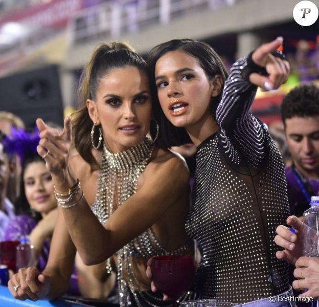 Bruna Marquezine et Izabel Goulart au carnaval de Rio De Janeiro au Brésil. Le 8 mars 2019