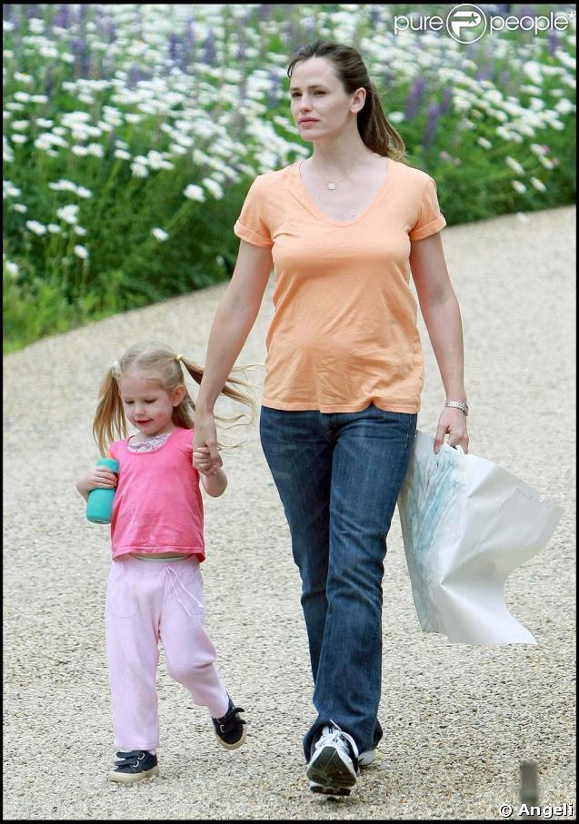Jennifer Garner est allée chercher sa petite Violet à l'école, le 5 juin 2009