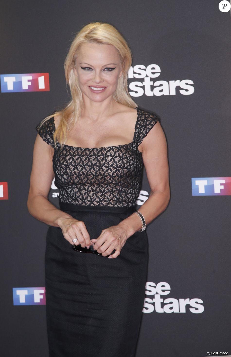 """Pamela Anderson - Photocall de la saison 9 de l'émission """"Danse avec les stars"""" (DALS) à Boulogne-Billancourt, le 11 septembre 2018. © Christophe Aubert via Bestimage"""