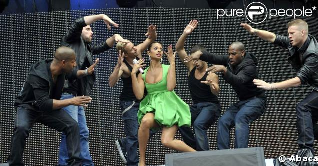 Alesha Dixon lors du Summertime Ball de la radio 95.8 Capital FM
