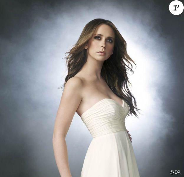 """Jennifer Love Hewitt belle et torride sur les visuels promotionnels de la cinquième saison de """"Ghost Whisperer"""" !"""