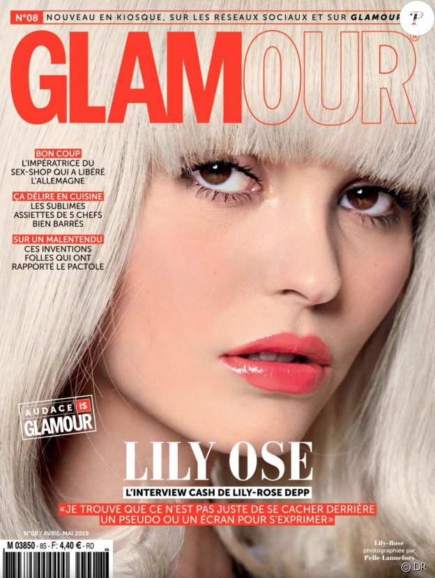 """Lily-Rose Depp pour """"Glamour Paris"""", en kiosques le 6 avril 2019."""