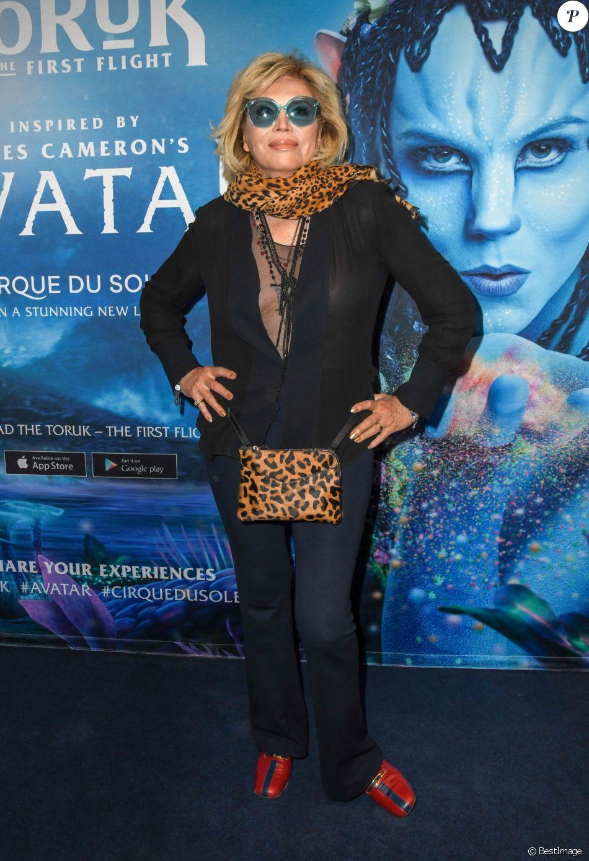 """Amanda Lear à la première du nouveau spectacle du Cirque du Soleil """"Toruk"""", inspiré du film Avatar de J. Cameron à l'AccorHotels Arena de Bercy à Paris le 4 avril 2019. © Coadic Guirec/Bestimage"""