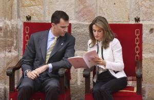Felipe et Letizia d'Espagne, accueillis comme des rois en Navarre ! Notre princesse toujours aussi élégante... et amoureuse ! (réactualisé)