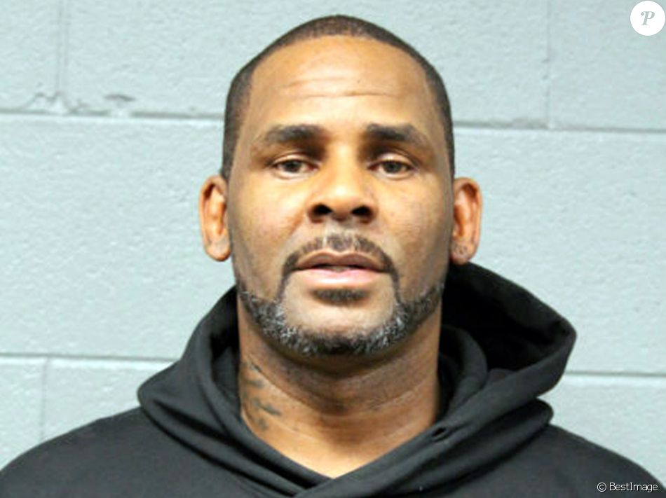 Robert Kelly, connu sous le nom de R. Kelly, photo fournie par le département de police de Chicago, il est inculpé d'abus sexuels sur mineures à Chicago le 23 février, 2019.