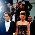 """Johnny Depp (habillé en Ralph Lauren) et sa femme Amber Heard - Tapis rouge du film """"The Danish Girl"""" lors du 72ème festival du film de Venise (la Mostra), le 5 septembre 2015."""