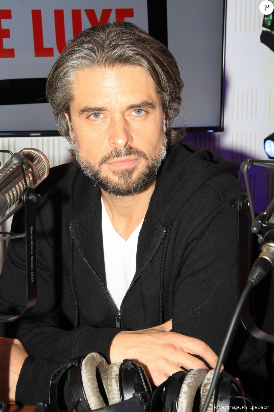 "Exclusif - Anthony Dupray lors de l'émission ""Le Show de Luxe"" sur la Radio Voltage à Paris, France, le 14 mars 2219. © Philippe Baldini/Bestimage"