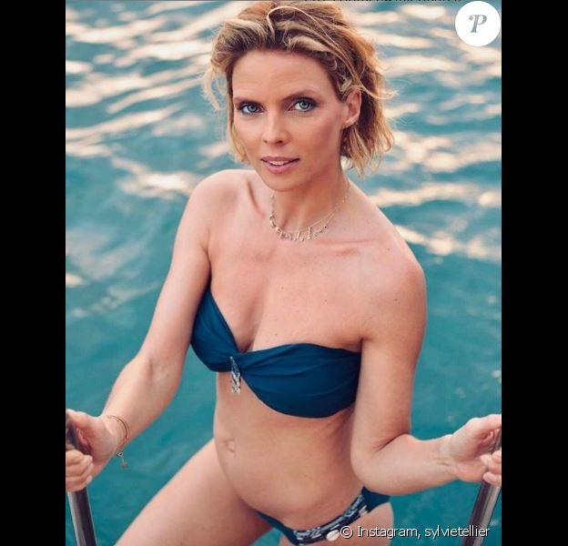 Sylvie Tellier superbe en bikini à la Martinique. Instagram, le 19 avril 2019