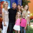 """Rick Schorder, son ex-femme Andrea et leurs enfants- Avant-première du film """"Le roi lion 3D"""" à Hollywood, le 27 août 2011."""