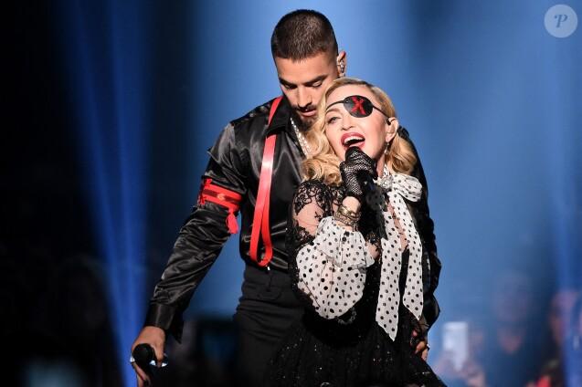 "Madonna et Maluma interprète ""Medellín"" lors des Billboard Music Awards à Las Vegas, le 1er mai 2019."