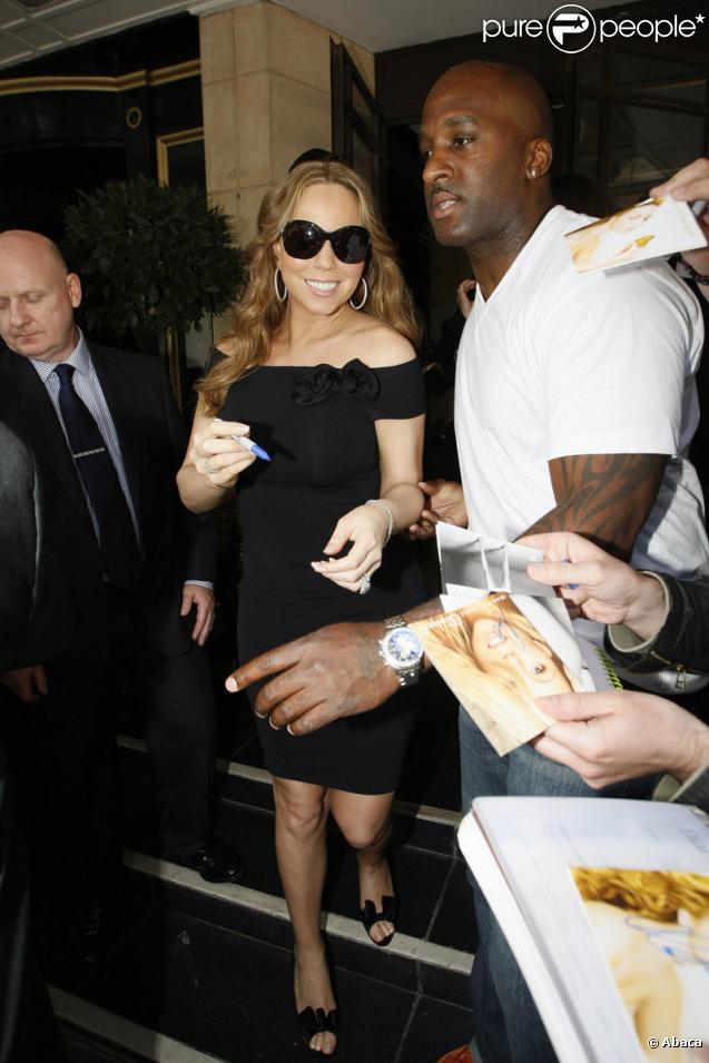 Mariah Carey devant l'hôtel Dorchester, à Londres le 13 juin 2009