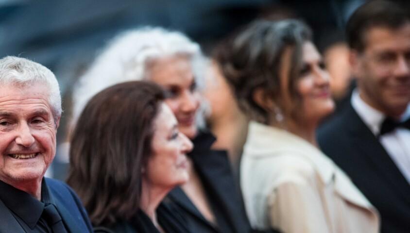 """Monica Bellucci, Claude Lelouch (Smoking Dior, montre Van Cleef & Arpels), Anouk Aimée, guest, Souad Amidou - Montée des marches du film """"Les plus belles années d'une vie"""" lors du 72ème Festival International du Film de Cannes. Le 18 mai 2019 © Jacovides-Moreau / Bestimage"""