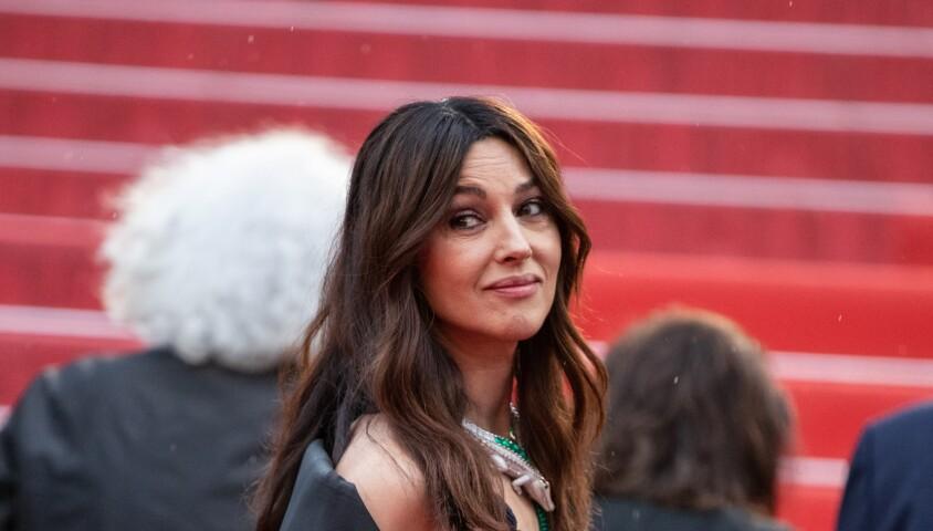"""Monica Bellucci - Montée des marches du film """"Les plus belles années d'une vie"""" lors du 72ème Festival International du Film de Cannes. Le 18 mai 2019 © Borde / Bestimage"""