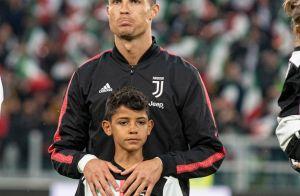 Cristiano Ronaldo gagne un nouveau trophée... et assomme son fils avec !
