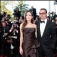 Brad Pitt et Angelina Jolie lors de la montée des marches du film The Tree of Life au Festival de Cannes en 2011 © Guillaume Gaffiot/Bestimage