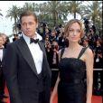 Angelina Jolie et Brad Pitt lors de la montée des marches du film Un coeur invaincu au Festival de Cannes en 2007