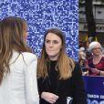 """Elizabeth Hurley et son ami Patrick Cox à la première du film """"Rocketman"""" au cinéma Odeon Leicester Square à Londres, Royaume Uni, le 20 mai 2019."""