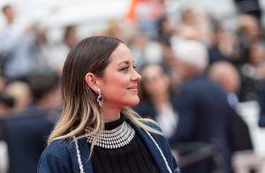 Marion Cotillard : Minishort et nombril à l'air, son look inattendu à Cannes