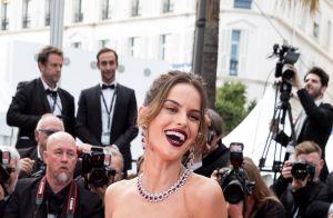 Iris Mittenaere : Bonbon irrésistible à Cannes, face à Adriana Lima