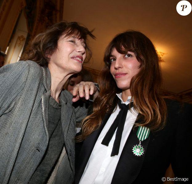 Jane Birkin (invitée) et sa fille Lou Doillon Paris le 10 avril 2013