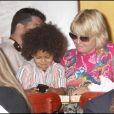 Heidi Klum, enceinte, déjeune avec ses enfants et sa maman Erna, à New York. 17/06/09