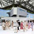 """Défilé Chanel, """"l'aéroport"""", collection printemps-été 2016 au Grand Palais à Paris."""