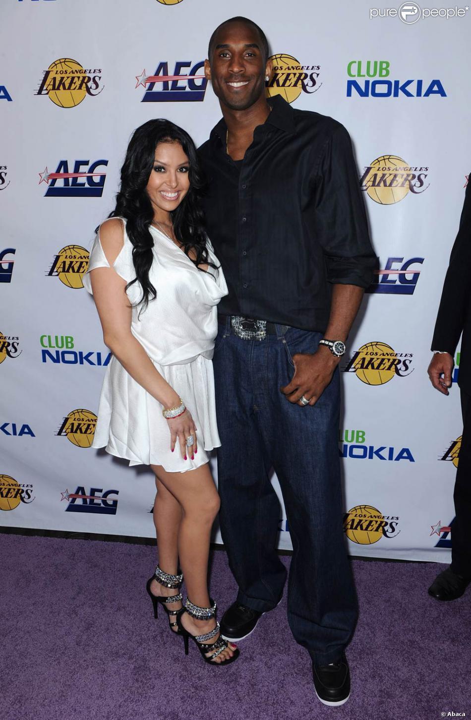 77471a8132e59 Kobe Bryant et sa femme femme Vanessa ont assisté à la fête organisée en  l'honneur des Lakers