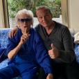 Laurent Baffie prend la pose avec Michou le 9 mai 2019.