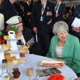 La première ministre britannique Theresa May a rencontré des vétérans lors de la cérémonie à Portsmouth pour le 75ème anniversaire du débarquement en Normandie pendant la Seconde Guerre Mondiale. Le 5 juin 2019
