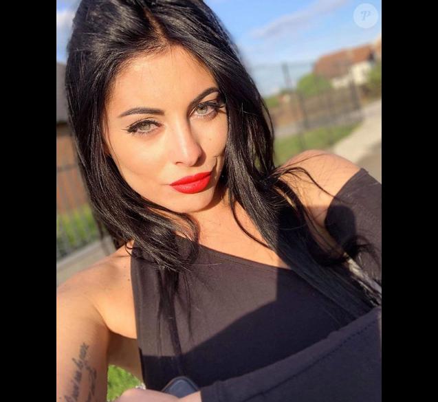 """Molie de """"L'Ile de la tentation 2019"""" pose sur Instagram, le 3 juin 2019"""