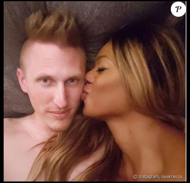 Laverne Cox pose avec son chéri Kyle Draper, au lit, sur Instagram, le 13 janvier 2019