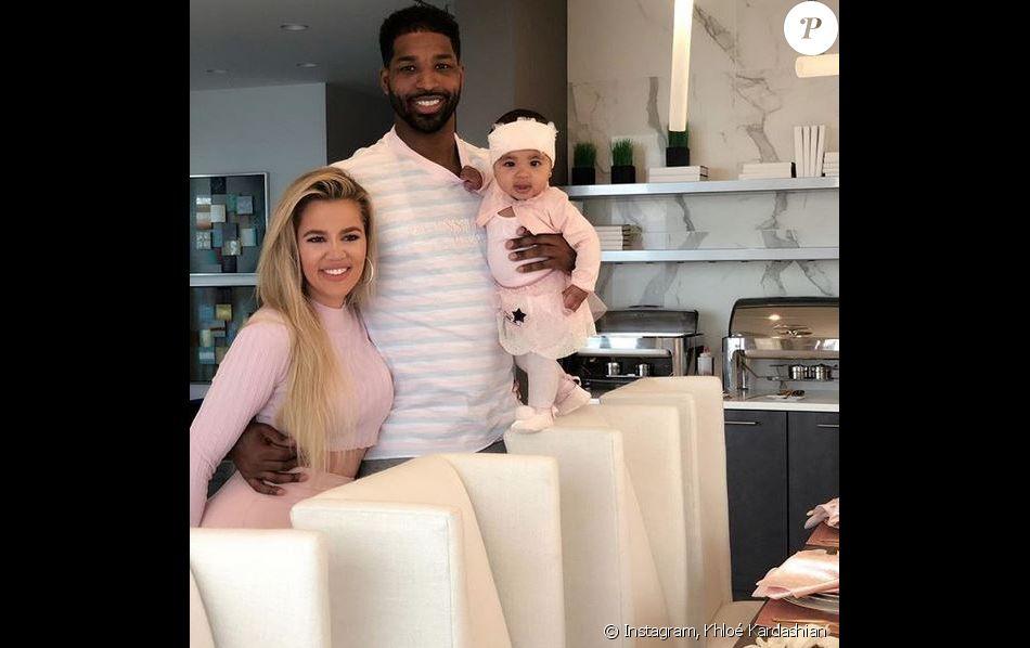Khloé Kardashian, Tristan Thompson et leur fille True (née en avril 2018).