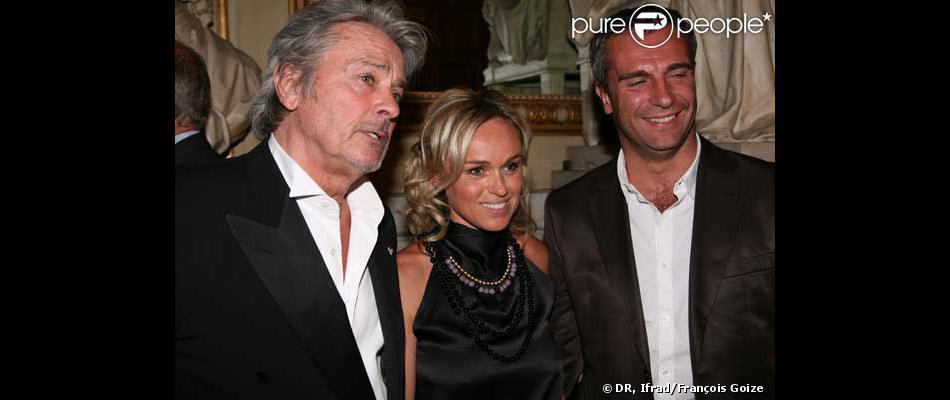 Alain delon c cile de m nibus et son mari le joueur de rugby yann delaigue au gala de la - Veronique de villele mari ...