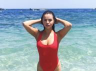 Selena Gomez bombesque, mouillée en maillot rouge façon Alerte à Malibu
