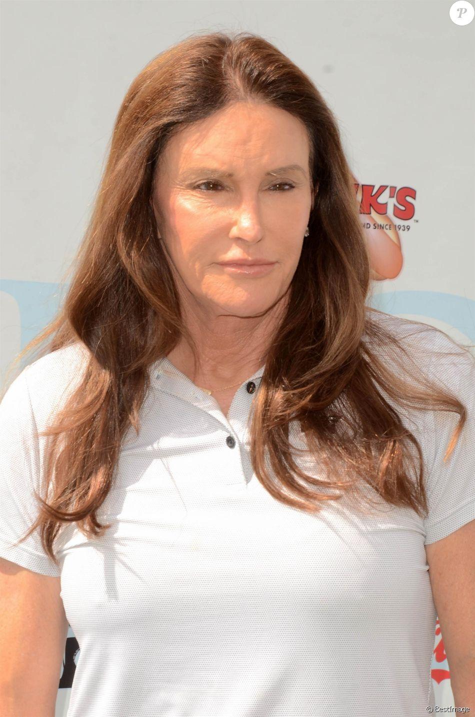 Caitlyn Jenner participe à la compétition de golf organisée par la Fondation George Lopez au Country Club de Burbank le 5 mai 2019.