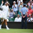 Roger Federer lors de son match contre Lloyd Harris à Wimbledon le 2 juillet 2019.