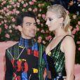 """Sophie Turner et son mari Joe Jonas - Arrivées des people à la 71ème édition du MET Gala (Met Ball, Costume Institute Benefit) sur le thème """"Camp: Notes on Fashion"""" au Metropolitan Museum of Art à New York, le 6 mai 2019"""
