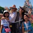 Laeticia Hallyday, Jade et Joy à Disneyland, le 26 juin 2019.