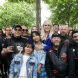 Exclusif - Laeticia Hallyday et ses filles Joy et Jade posent avec des bikers - Laeticia Hallyday sort de sa loge pour se rendre sur la scène puis pose avec des bikers et ses amis lors de l'inauguration de l'esplanade Johnny Hallyday à Toulouse, le 15 juin 2019. Laeticia Hallyday et ses filles Jade et Joy sont venues inaugurer une esplanade portant le nom de Johnny Hallyday située en face du Zénith de Toulouse, le 15 juin 2019, date hautement symbolique puisque le rockeur aurait eu 76 ans. © Dominique Jacovides/Bestimage