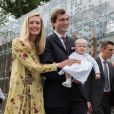 La princesse Elisabetta et le prince Amedeo de Belgique avec leur fille la princesse Anna Astrid le 29 juin 2017 à Bruxelles lors d'une célébration du 80e anniversaire de la reine Paola de Belgique.