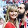 """Heidi Klum et son fiancé Tom Kaulitz assistent au match de Bundesliga """"FC Bayern Munich - Eintracht Francfort"""" à Munich, le 18 mai 2019."""