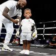 Tony Yoka avec son fils Ali sur le ring après sa victoire par KO à la 3ème reprise contre Alexander Dimitrenko à l'Azur Arena. Antibes, le 13 juillet 2019. © Lionel Urman/Bestimage