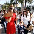Eva Longoria, Victoria Beckham et son fils Romeo à Los Angeles en 2008.