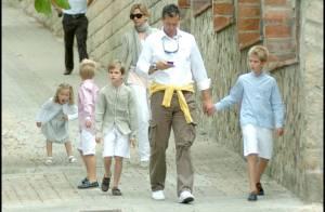 Cristina d'Espagne, son mari et ses quatre beaux enfants : la famille parfaite et tirée à 4 épingles genre... gravures de mode !